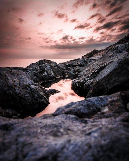 Immagine gratuita di acqua, alba, cielo, concentrarsi