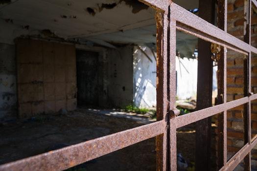 Free stock photo of dirty, house, rust, window