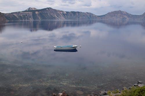 Foto stok gratis Danau Kawah, perahu wisata, taman nasional danau kawah