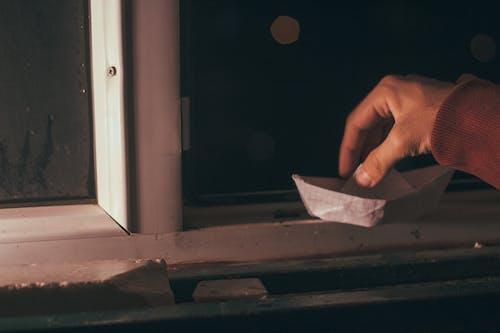 Základová fotografie zdarma na téma kreativní, papírová lodička, ruka, tvořivost
