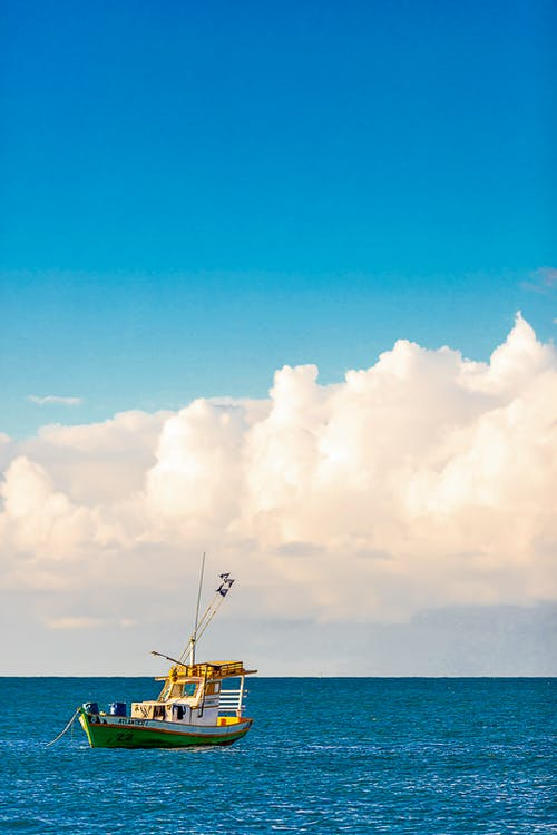 Foto profissional grátis de barco, barco a motor, barco a vela, barco de pesca