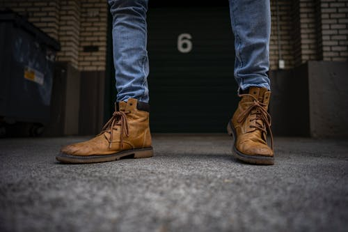 Foto profissional grátis de 6, botas de couro, calça jeans, calçados