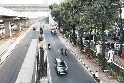 Základová fotografie zdarma na téma auto, dopravní systém, indonésie, jízdní pruh