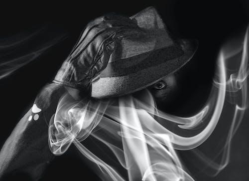 手套, 抽煙, 眼睛, 自拍 的 免費圖庫相片