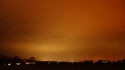 Darmowe zdjęcie z galerii z dziwne oświetlenie, pomarańczowe niebo, pył sahara w niemczech