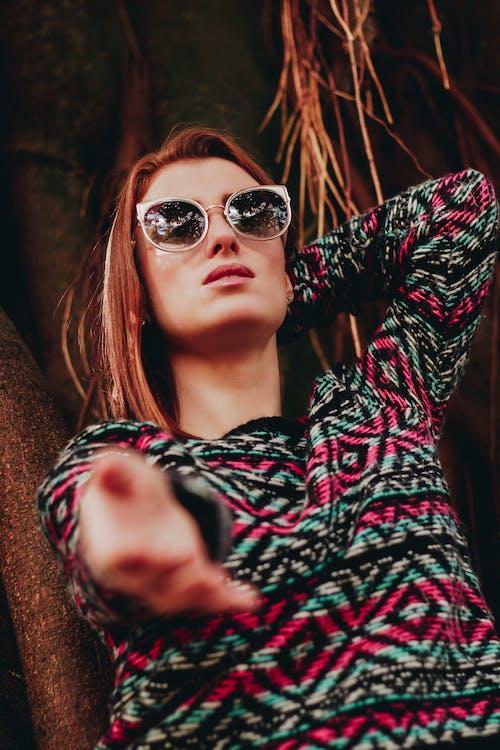 갈색 머리, 머리, 모델, 선글라스의 무료 스톡 사진