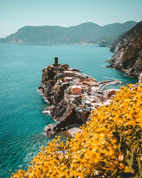 Бесплатное стоковое фото с архитектура, берег, береговая линия, вода