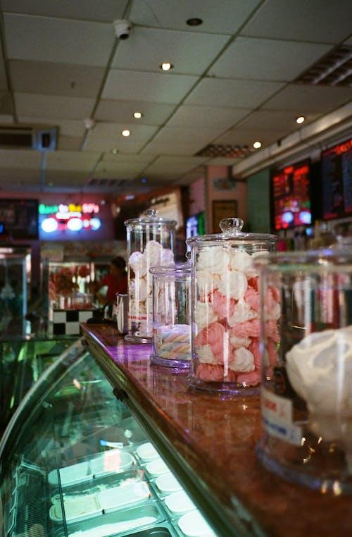 Fotos de stock gratuitas de artículos de cristal, comida, encimera, tarros