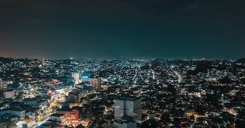 Foto stok gratis Arsitektur, bangunan, cahaya, cityscape