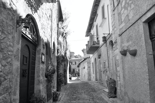 Fotos de stock gratuitas de antiguo, calle, edificios, estrecho