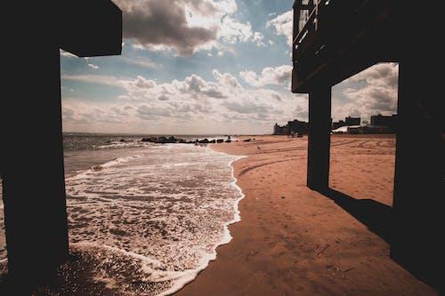 Kostnadsfri bild av hav, havsområde, havsstrand, moln