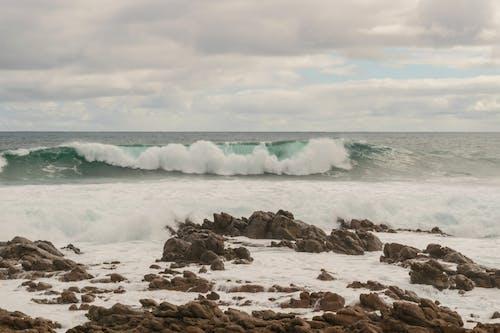 Kostnadsfri bild av hav, havspruta, havsskum, känt ställe
