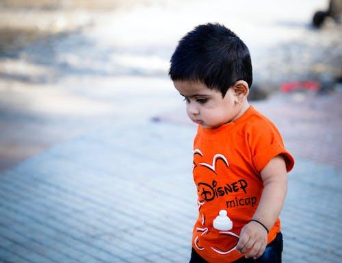 Foto stok gratis anak asia, bayi kecil, berjalan, gadis asia