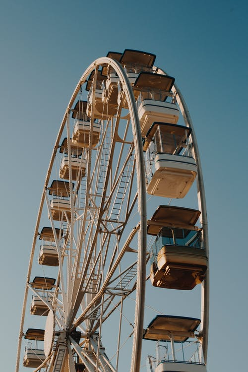 Selective Focus Photography of Ferris Wheel