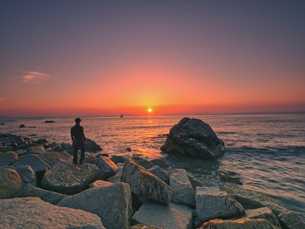 берег моря, вода, Захід сонця