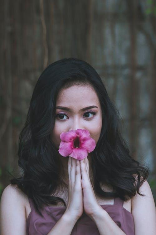 Gratis lagerfoto af asiatisk kvinde, hår, Hibiscus, kvinde
