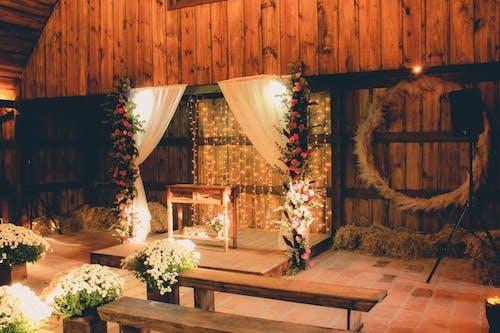 Foto d'estoc gratuïta de altar, altaveu, arquitectura, cabana