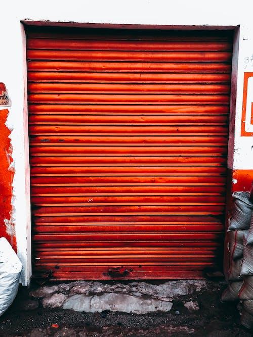 Ingyenes stockfotó ajtó, építészet, narancs, piszkos témában