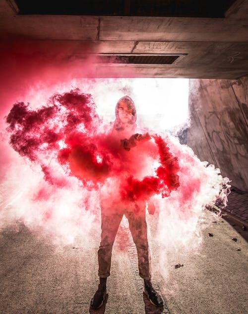 คลังภาพถ่ายฟรี ของ smokebomb, ควัน, วางระเบิด, สีแดง