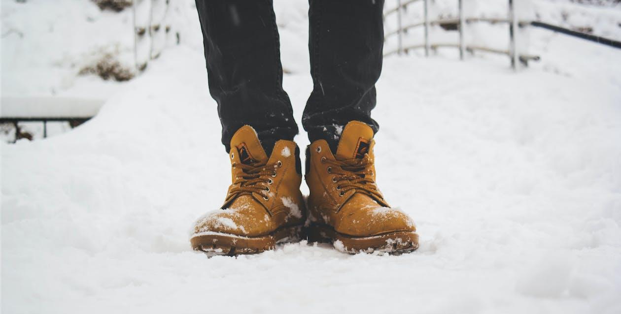adulto, amarillo dorado, calzado