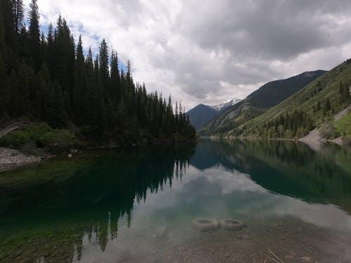 Foto profissional grátis de lake kaindy