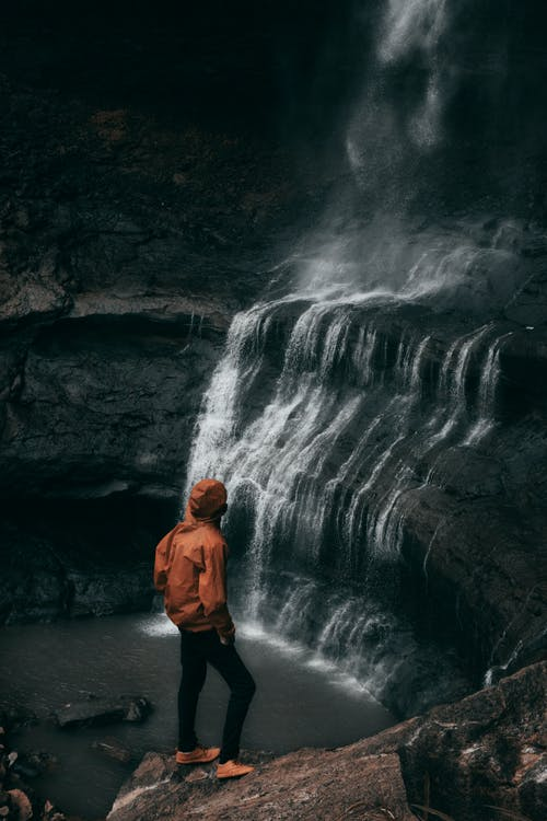 Бесплатное стоковое фото с активный отдых, Взрослый, вода, водопад