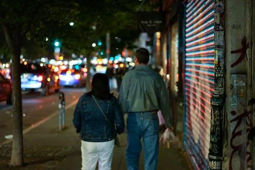 Ảnh lưu trữ miễn phí về cặp vợ chồng, cặp vợ chồng đi bộ
