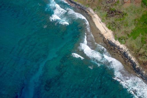 Δωρεάν στοκ φωτογραφιών με βαθιά θάλασσα, ελικόπτερο, λήψη από υψηλή γωνία, παραλία
