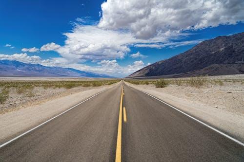 낮, 도로, 도로 표시, 메마른의 무료 스톡 사진