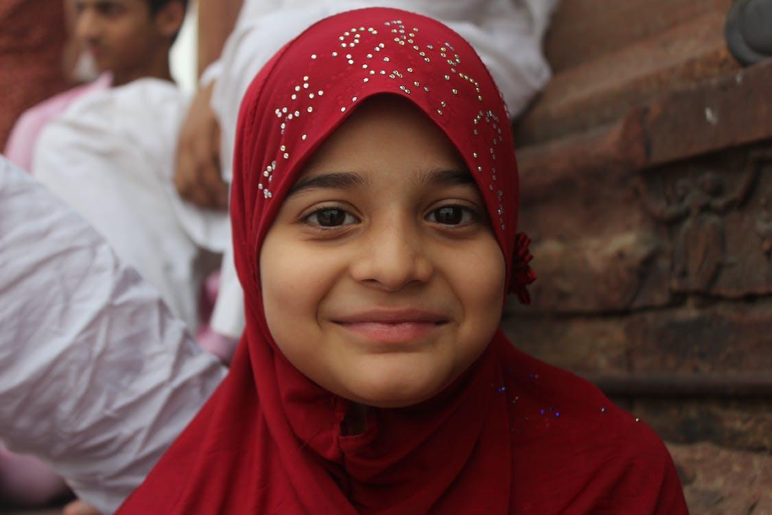 dona musulmana, musulmà, nena