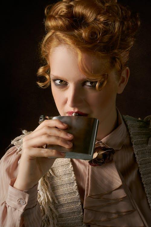 保溫瓶, 哀思, 喝, 女人 的 免費圖庫相片