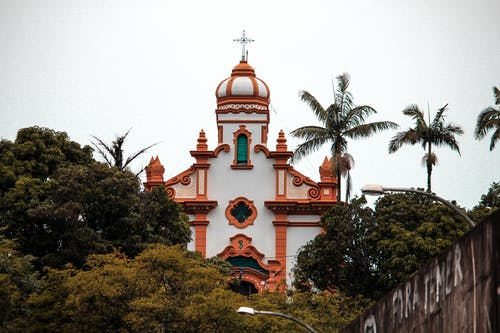 Gratis lagerfoto af kirke, kirkebygning, koloniale, tre