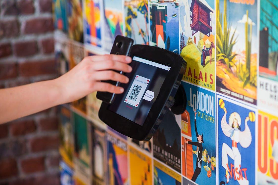 à l'intérieur, appareils numériques, art mural
