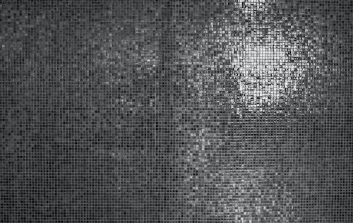 Darmowe zdjęcie z galerii z ciemny, czarno-biały, kafelki, mur
