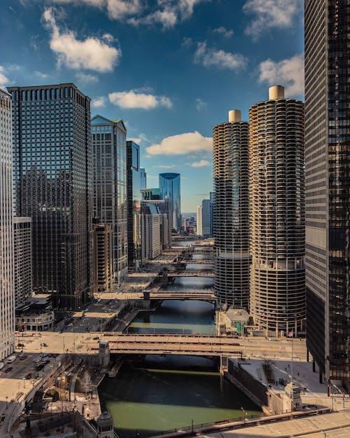 Ingyenes stockfotó belváros, építészet, épületek, folyó témában