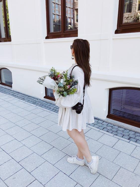 γυναίκα, καθημερινό ντύσιμο, κάμερα dslr