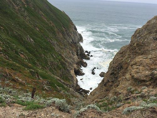 Photos gratuites de cailloux, côte de falaises, falaise