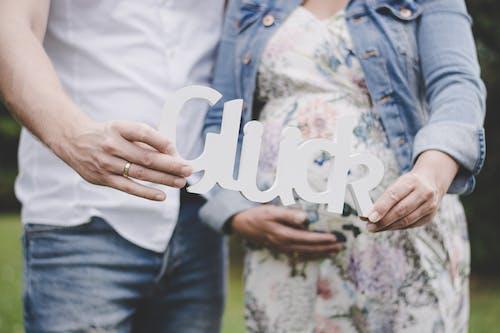 Darmowe zdjęcie z galerii z ciąża, ciężarna, dziecko, matka