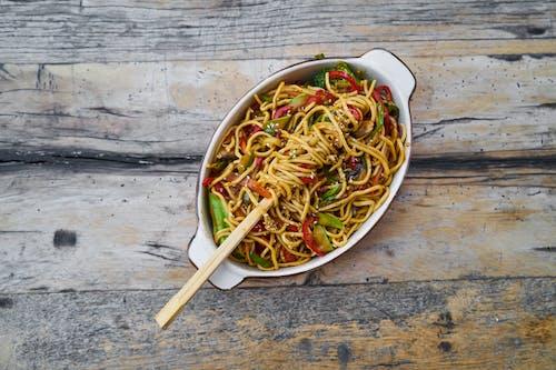 Základová fotografie zdarma na téma česnek, chutný, dřevěný stůl, fotografie jídla