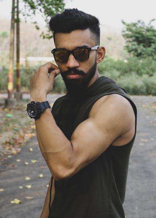 Kostnadsfri bild av biceps, fitness, fitnessmodell, gatubild