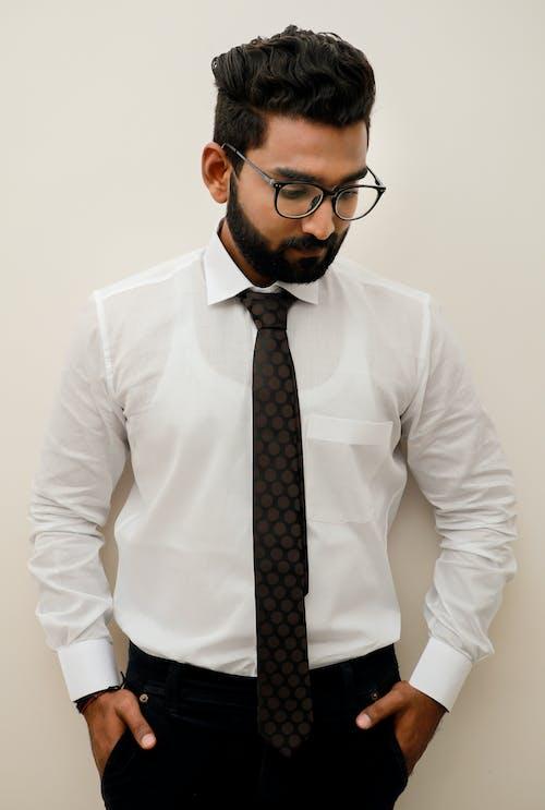 Foto stok gratis anak laki-laki India, baju putih, kapas, kemeja