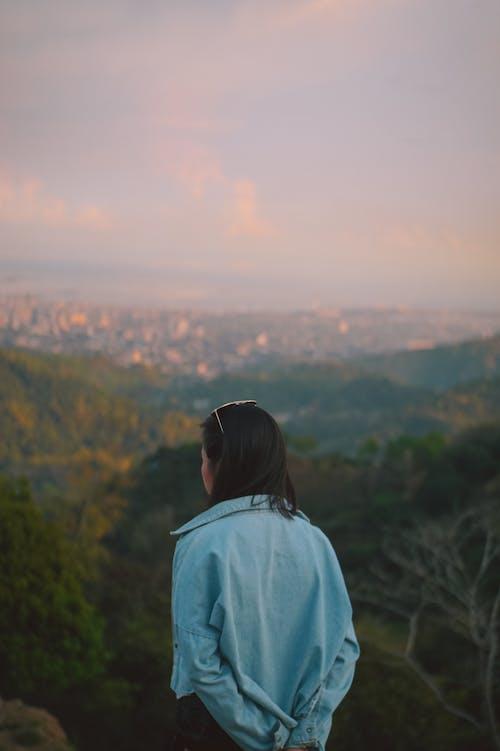 Δωρεάν στοκ φωτογραφιών με άνθρωπος, αυγή, βουνό, γραφικός