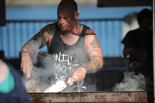 Kostnadsfri bild av kock, man, matlagning, person