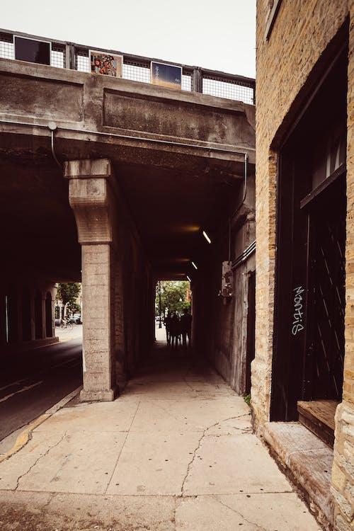 Foto stok gratis Arsitektur, gang, kota, sempit
