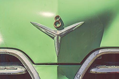 Darmowe zdjęcie z galerii z 8, auto, klasyczny samochód, pojazd
