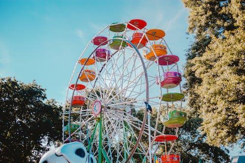 主題公園, 低角度拍攝, 低角度攝影, 多色的 的 免费素材照片
