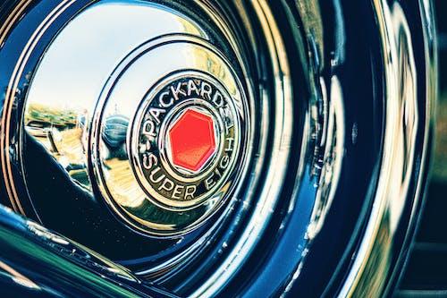 Darmowe zdjęcie z galerii z hubcap, klasyczny samochód, odbicie, staroświecki