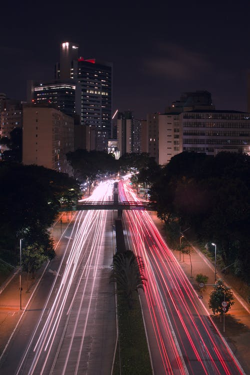 Gratis stockfoto met avond, binnenstad, lange blootstelling, lichte strepen