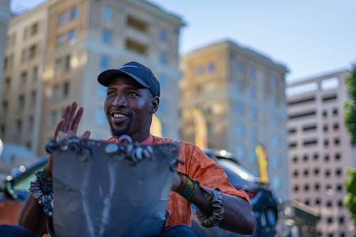 Бесплатное стоковое фото с африканец, афро-американец, барабанщик, выборочный фокус