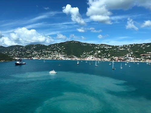 bulut, deniz kenarı, deniz seyahati, gün ışığı içeren Ücretsiz stok fotoğraf